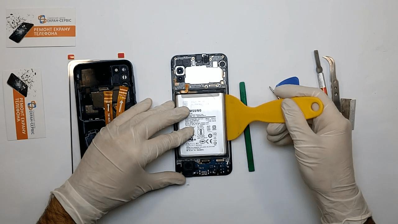 Замена батареи Samsung Galaxy M31